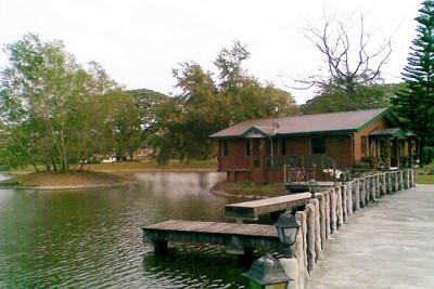 Lakehouse-fr-Boardwalk