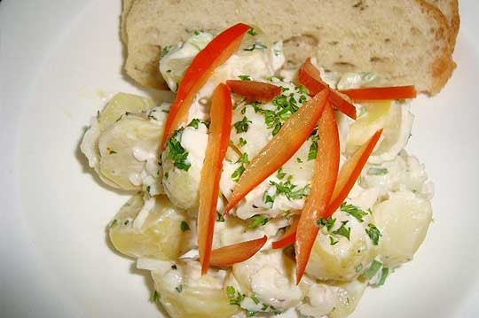 Crab-&-new-jersey-potato-salad-with-red-peppers-mustard-dressing